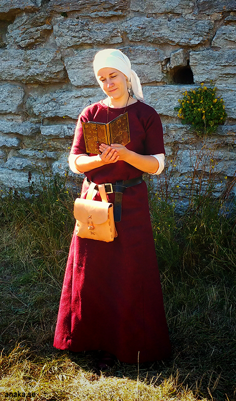 French 15th century dress